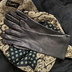 NWT Women's 6.5 Black Italian Leather Gloves